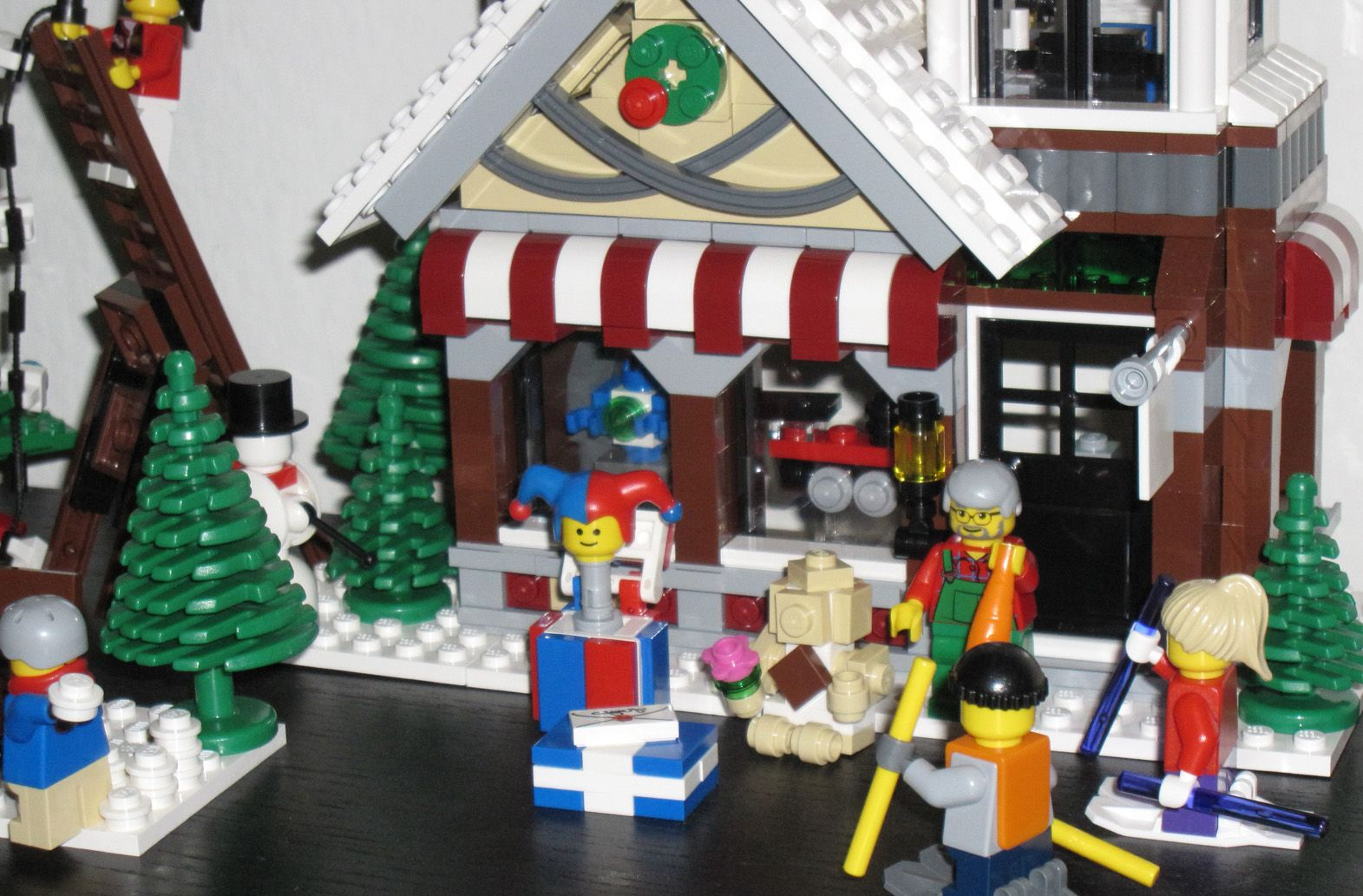 Lego 10199 Winter Village Toy Shop I Brick City 10249 Exclusive Ibrickcity 4