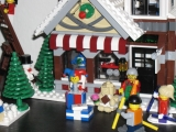 lego-10199-winter-village-toy-shop-ibrickcity-4