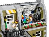 lego-10243-parisian-restaurant-creator-expert-17