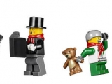 lego-10249-winter-toy-shop-creator-seasonal-4