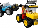 lego-10655-monster-trucks-basic-bricks-4