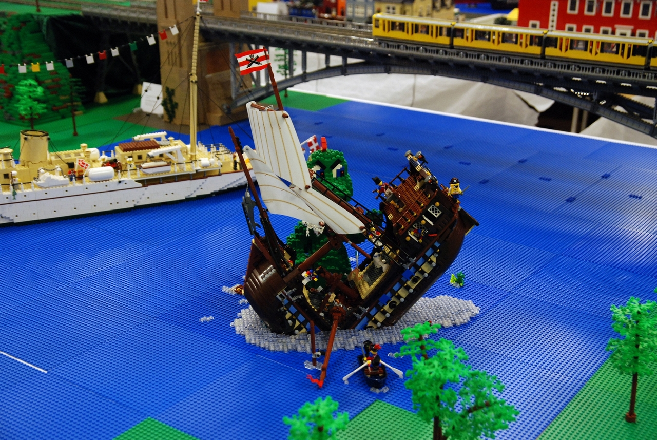 how to build a lego titanic that sinks