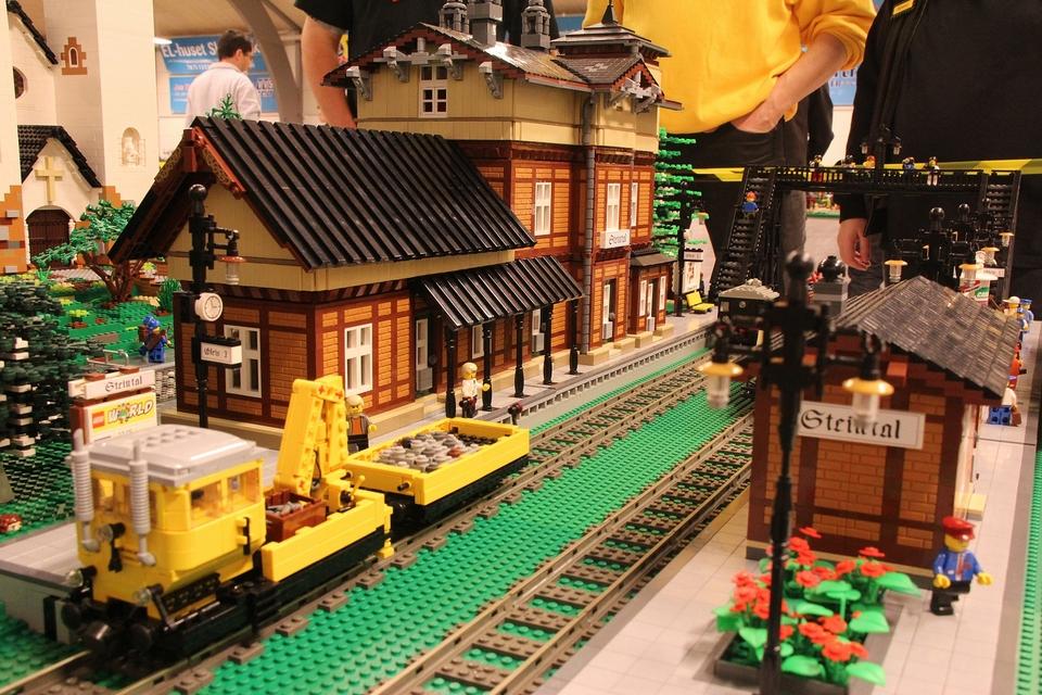 Police Car Website >> Lego 60053 – Race Car | i Brick City