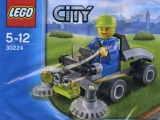 lego-30224-ride-on-lawn-mower-city-1