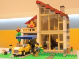lego-31012-family-house-creator-1