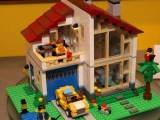 lego-31012-family-house-creator-3