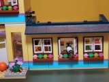 lego-41005-heartlake-high-friends-12