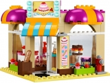 lego-41006-downtown-bakery-friends-13