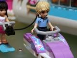 lego-41015-dolphin-cruiser-friends-3