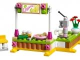 lego-41027-mia-lemonade-stand-2