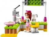 lego-41027-mia-lemonade-stand-3