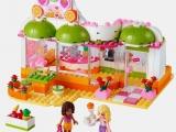 lego-41035-heartlake-juice-bar-friends-4