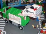 lego-4432-garbage-truck-ibrickcity-10