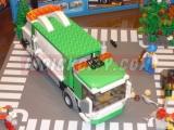 lego-4432-garbage-truck-ibrickcity-9