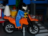 lego-4433-dirty-bike-transporter-ibrickcity-3