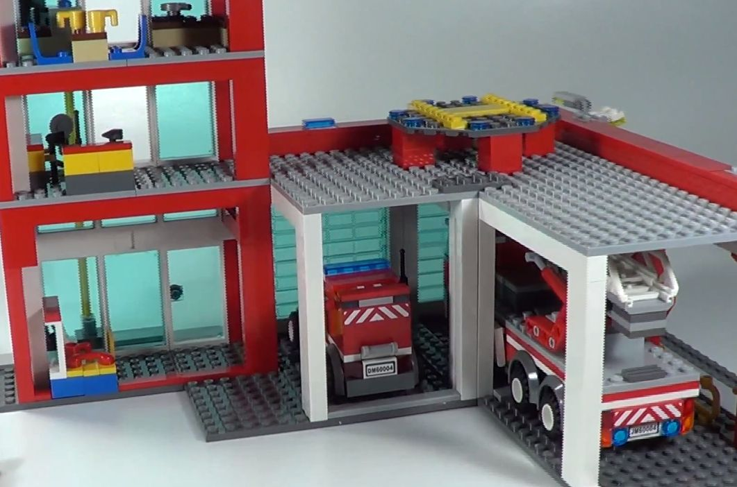 lego-60004-city-fire-headquarters-ibrickcity-18.jpg