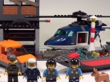 lego-60009-city-helicopter-arrest-ibrickcity-10_0
