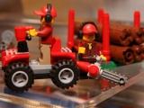 lego-60021-cargo-heliplane-city-10