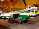 lego-60021-cargo-heliplane-city-13