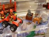 lego-60021-cargo-heliplane-city-22