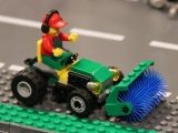 lego-60026-town-square-city-ibrickcity-12