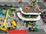lego-60026-town-square-city-ibrickcity-2