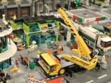 lego-60026-town-square-city-ibrickcity-crane