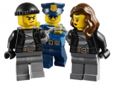 lego-60042-high-speed-police-chase-city-8