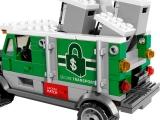 lego-76015-doc-ock-truck-heist-marvel-2