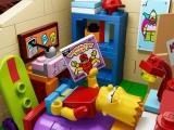lego-the-simpsons-71006-house-bartsroom
