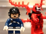 lego-76036-carnage-shield-sky-attack-1