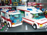 lego-7890-ambulance-city-7