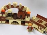 lego-79004-escape-in-the-barrels-hobbits-ibrickcity-11