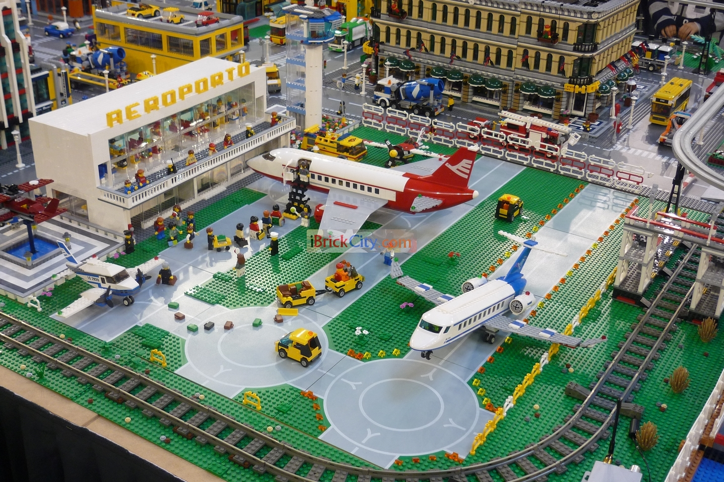 lego city airport 2012 images galleries with a bite. Black Bedroom Furniture Sets. Home Design Ideas