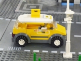 ibrickcity-lego-fan-event-lisbon-2012-city-7937-taxi