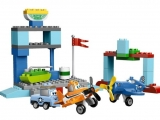 lego-10511-skipper-flight-school-duplo-3