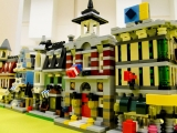 lego-10230-mini-modulars-ibrickcity-12