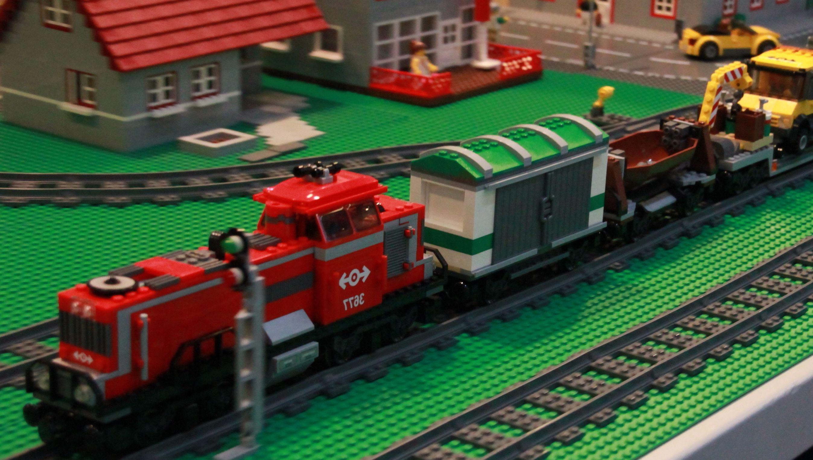 Lego 3677 City Red Cargo Train I Brick City