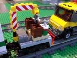 lego-3677-city-red-cargo-train-ibrickcity-21