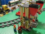 lego-3677-city-red-cargo-train-load-ibrickcity-8