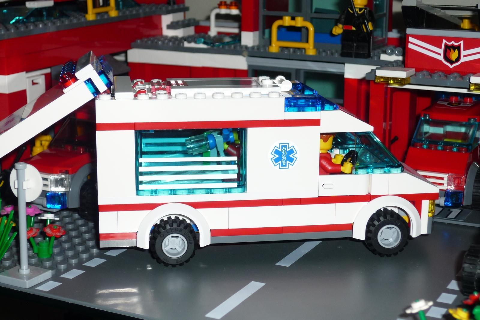 Lego City 4431 Ambulance I Brick City