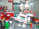 lego-city-4431-ambulance-ibrickcity-11