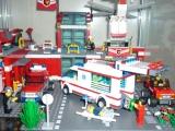lego-city-4431-ambulance-ibrickcity-11