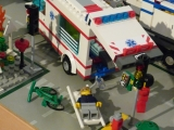 lego-city-4431-ambulance-ibrickcity-14