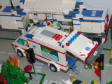 lego-city-4431-ambulance-ibrickcity-17