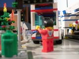 lego-city-4431-ambulance-ibrickcity-21