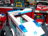 lego-city-4431-ambulance-ibrickcity-3