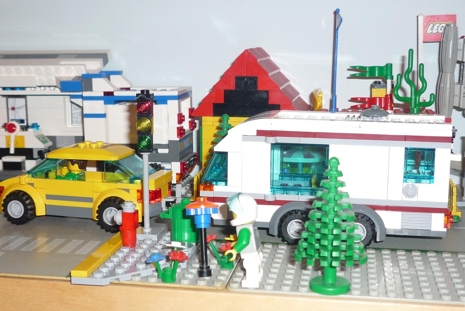 Lego City 4435 Car And Camper I Brick City