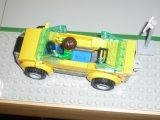 lego-city-4435-car-and-camper-ibrickcity-12