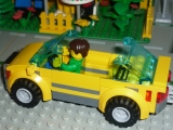 lego-city-4435-car-and-camper-ibrickcity-13